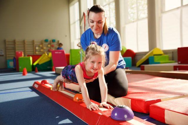 фото 1 - детская гимнастика исправление осанки